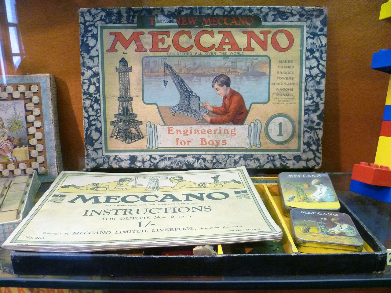 1280px-Meccano_Set-_Edinburgh_Museum_of_Childhood