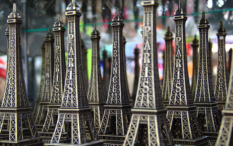 800px-Eiffel_tower_models