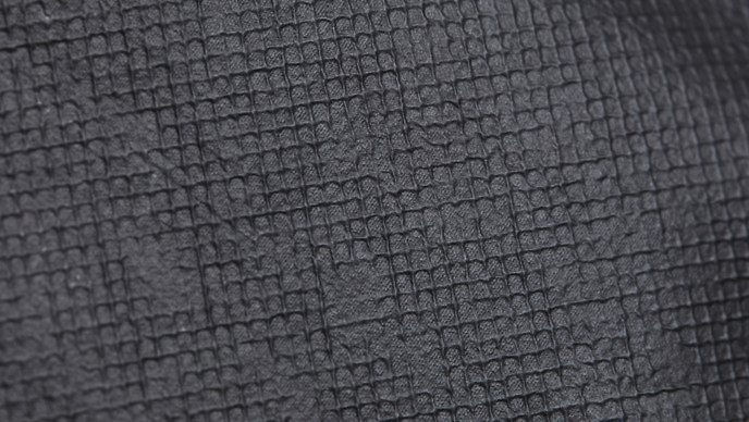 graphene-detail-material-g-side-1376-688x388