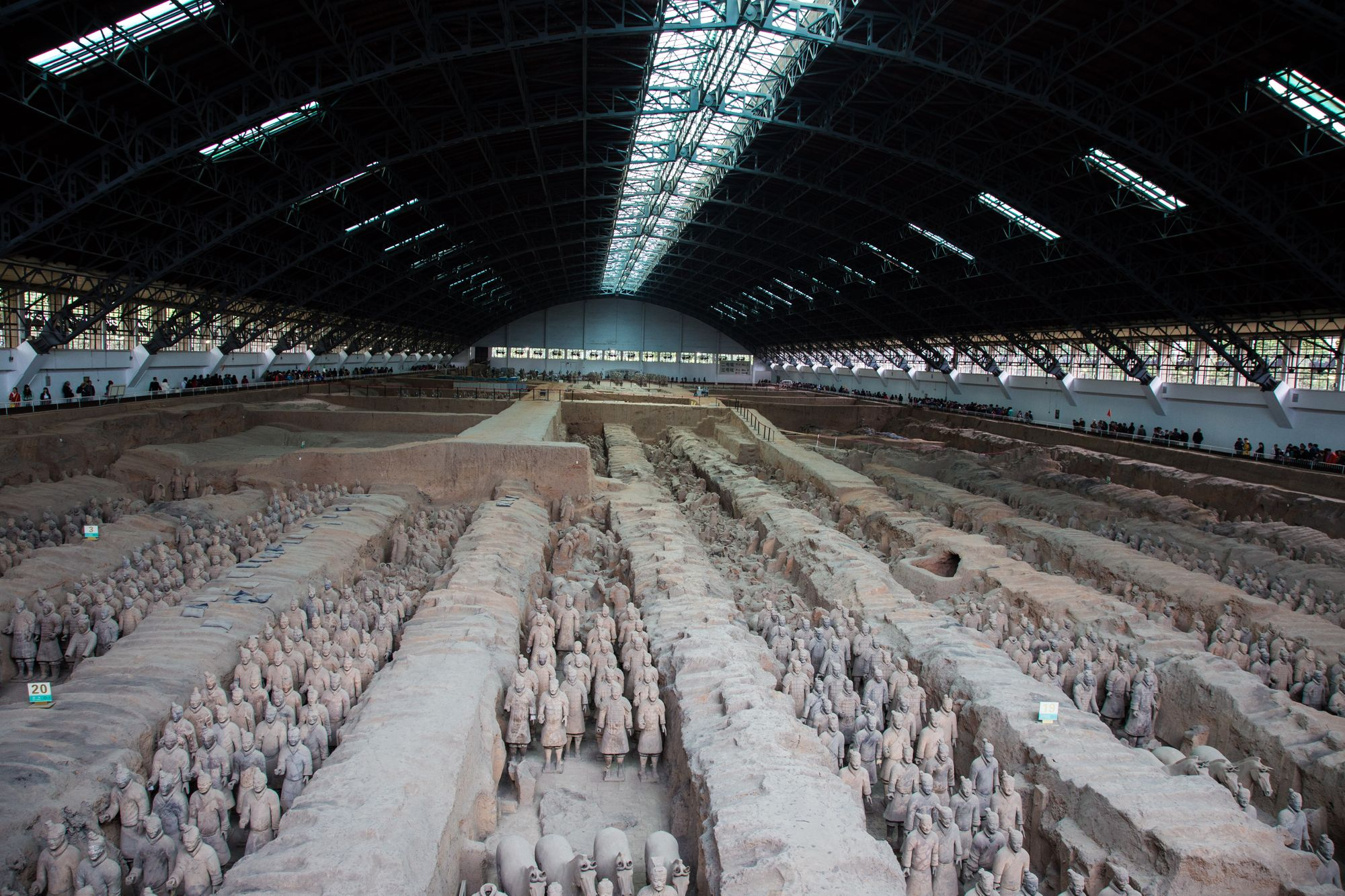 Terracotta_Army-_View_of_Pit_1