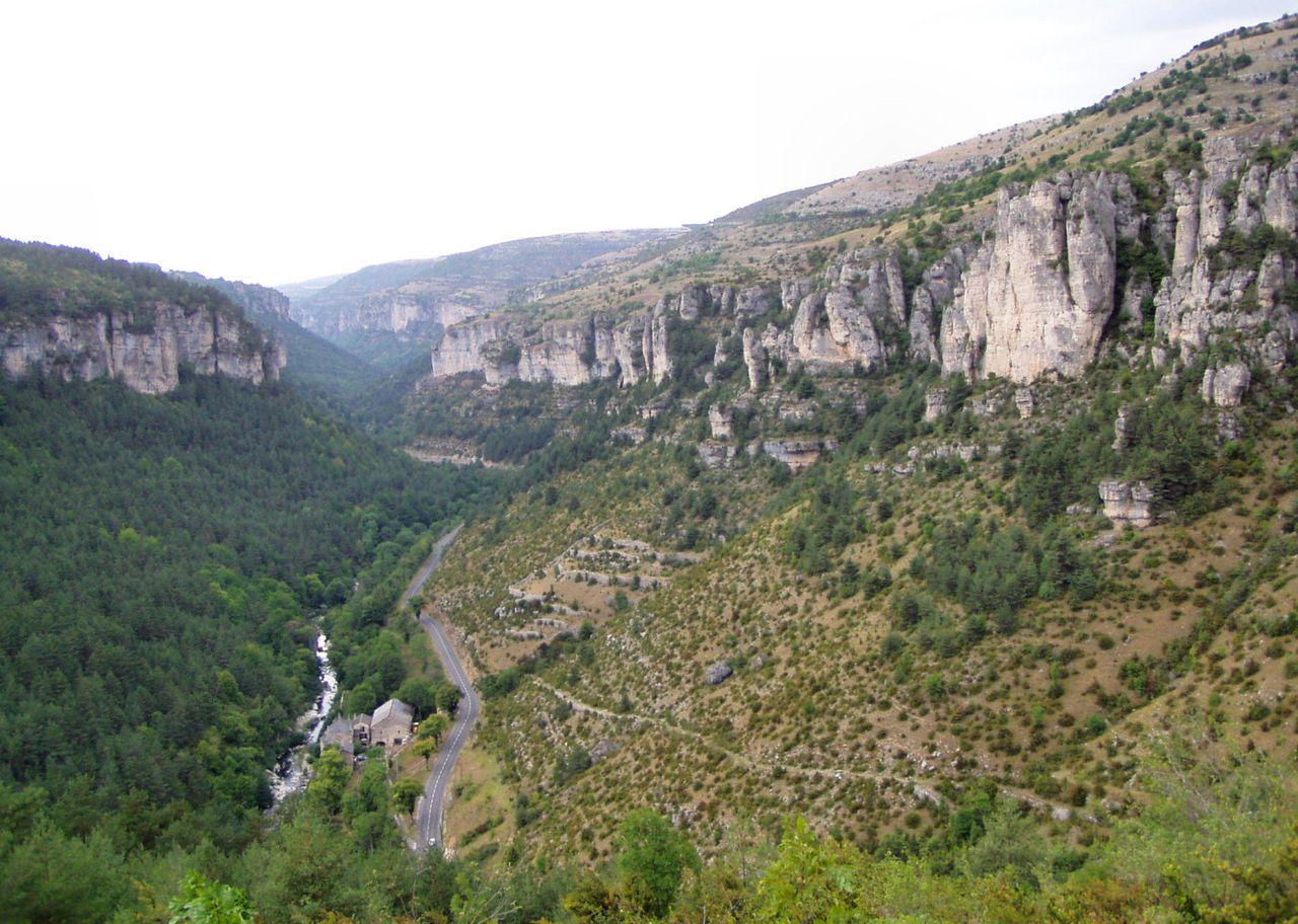 1280px-Cevennes_National_Park-_France