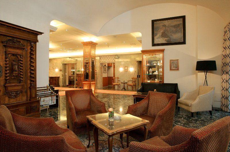 5._Hotel_Stefanie-_Main_Hall_P-1