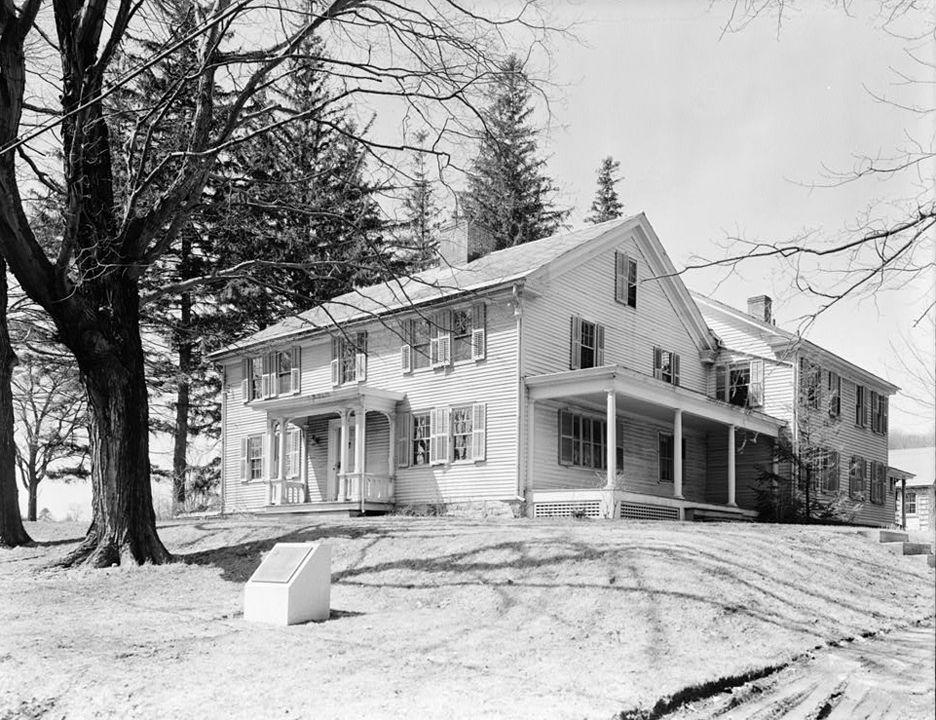 Arrowhead_farmhouse_Herman_Melville